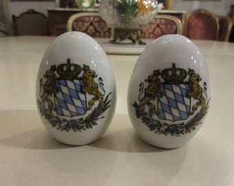 LIONS and CROWN SALT and Pepper Shaker Set