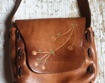 70's TOOLED LEATHER PURSE // Vintage 1970's Purse Tooled Leather Purse Boho Purse Leatherwork Handcrafted Hand Tooled Leather Shoulder Bag