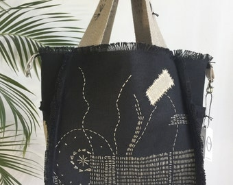 """Bag / tote embroidered """"abstract"""" black patchwork Linen by origine creation"""