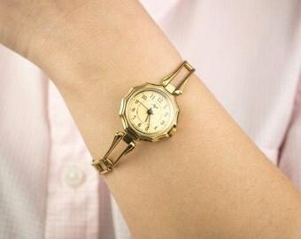 Gold vintage watch. Soviet watch, Women's watch, Women's soviet watch, Vintage watch, Russian watch, Luch 17 jewels, wrist watch