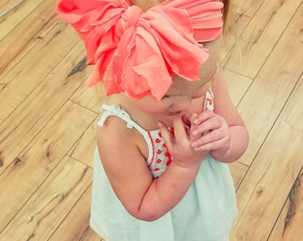 Ruffled headband bows