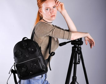 Black Leather backpack - Pilot S Flowers