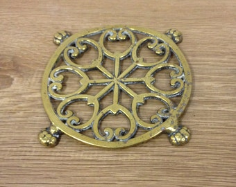 Vintage Ornate Decorative Brass Coaster Or Pan Stand / Trivet - In Good Condition.