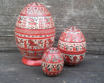 Nesting egg, matryoshka egg, 3 in 1, Mezen painting.Hand Painted Easter egg, wooden egg decorated russian ornaments. Stacking Easter egg.
