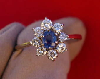 Sapphire and diamond ring in white gold, daisy ring, 60's, engagement ring, entourage ring, free shipping