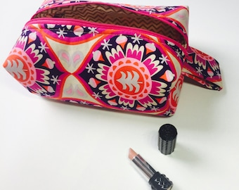 Dashing to the Mall Cosmetic Bag