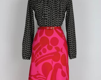 1990s Bold Graphic Patterned A-line Skirt Size Small Medium Red Pink Below The Knee Elastic Waist