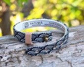 Japanese kimono bracelet. Leather covered in traditional Japanese fabric.Men/Unisex jewelry.Black.Waves.Seigaiha.Gift for him.Made in Japan.
