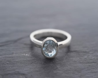 Aquamarine Ring in 925 Sterling Silver-Aquamarine Solitaire Ring-Solitaire Engagement ring-Silver Aquamarine Ring-Handmade-Ready to Ship