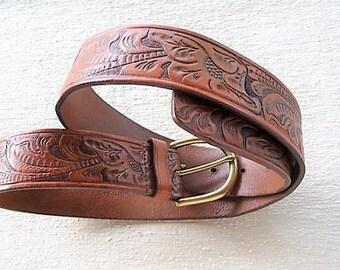 Ralph Lauren Belt .. Vintage Leather Cowboy Fashion , Size Medium , Leaf Design