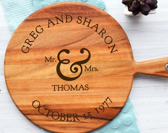 Personalised Mr & Mrs Cheeseboard - Engraved Wedding Anniversary Engagement Gift