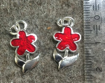 Charm/pendant - enamelled flower + stem with leaves - metal/email - 12mm