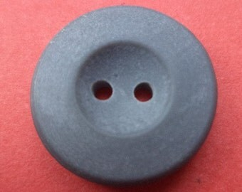 12 grey buttons 18mm (2097)