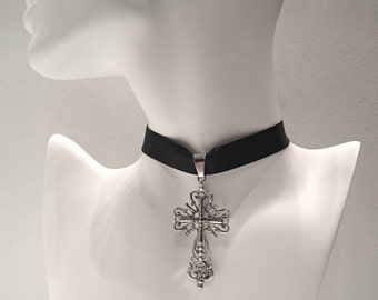 Elegant Large Cross Choker
