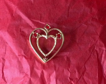 Regal Vintage Gold tone Brooch with Dual Cut-out Hearts and Red Rhinestone Accents