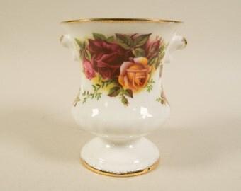 Royal Albert Old country roses, small vase, spoon vase, bone china, porcelain, English china, transferware, vintage.