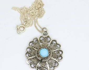 Beautiful vintage silver filigree flower necklace/silver flower jewelry/filigree jewelry/blue stone necklace/glass cabochon/spring necklace