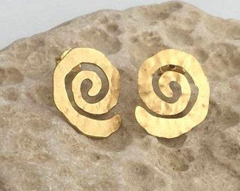 Gold plated stud Earrings, Gold plated earrings, Minimal earrings, Simple earrings, Modern earrings, Stud earrings, Gold stud earrings.