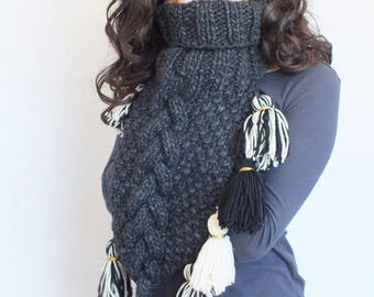 Chunky  scarf . Neck Warmer. Scarf With Tassels. Knit cowl. Black Scarf. Hand Knit Scarf. Scarves . Women's Clothing. Women's Accessories.