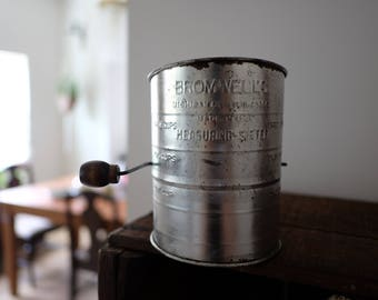 Vintage Bromwell's sifter, bromwells sifter, vintage sifter, farmhouse kitchen, Bromwell flour sifter, bromwell's flour sifter, vintage bake