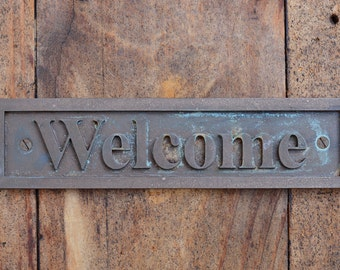 WELCOME Door Sign or Wall Plaque, Old Style Sign, Cast Bronze Resin Front Door sign, Gate, Office, Bar, Cafe or Restaurant Door, Wall. Small