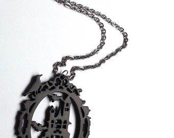 Haunted house cameo acryl necklace