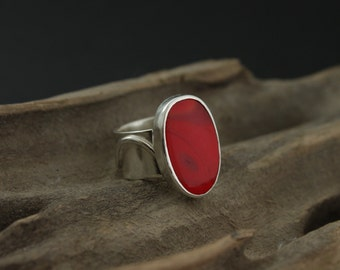 Red Rosarita Stone and Sterling Silver Contemporary Ring, UK Hallmarked, Size S 1/4 UK, 9 1/4 US