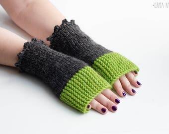 Green gray mittens, Green wool fingerless gloves, Green arm warmers, Rustic fingerless gloves, Boho mittens