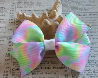 Tie Dye Hair Bow, girls hair bows, cute hair, tie dye favors, pastel tie dye, party favors, loot bag