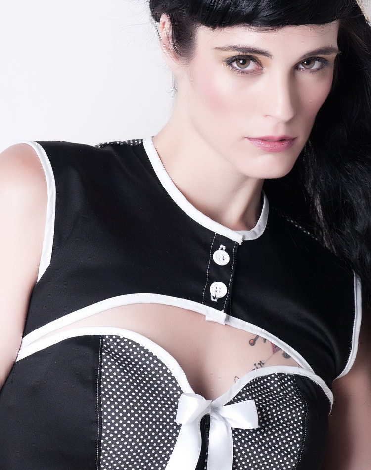 Black and white mini vest...