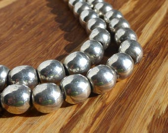Taxco Sterling Silver Ball Bench Bead Necklace, 22 1/2 inch, 64.4 gram