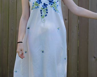 Vintage 70's MAITREE Cotton Sundress Handmade in Tailand - White with Blue Embroidered O/S Beach Resort