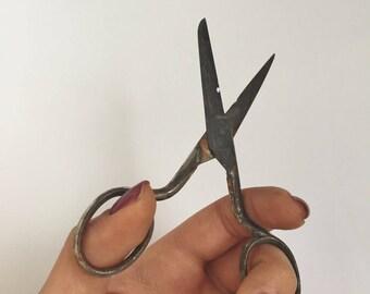 Vintage Scissors/Antique Scissors/Rustic handmade tool Scissors/Farmhouse decor Scissors/ Rustic home decor Scissors/Sewing Tool/Scissors
