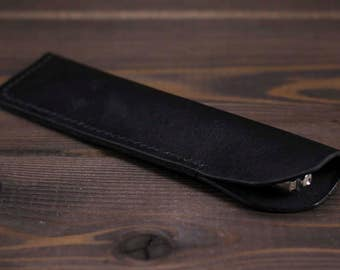 Black leather pen case. Dyed and stitched by hands. Pen case, Pen holder, Pen pouch, Leather pen sleeve, Pencil case, Fountain pen case