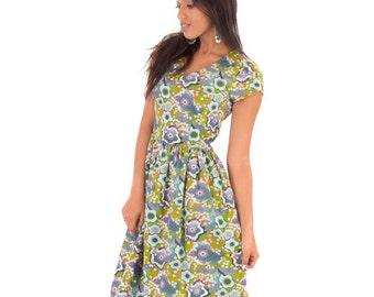 Green Summer Tea Cotton Dress Green Floral Flower Print V Neck Knee Length with Pockets
