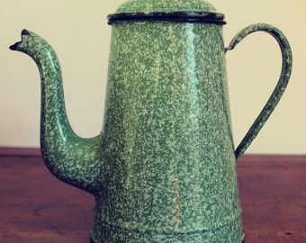 Coffee pot/teapot/vase vintage enamel green speckled country style kitchen