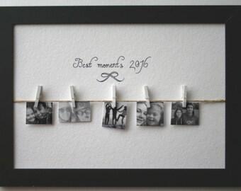 Cadre photos cadeau (mariage, anniversaire) avec message personnalisé. Photos suspendu par pinces à linge sur cord.