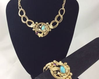 Very Pretty 1940's Intricate Design Necklace and Bracelet Set.