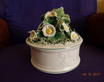 vintage covered daisy box