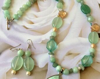 Fresh spring color necklace set