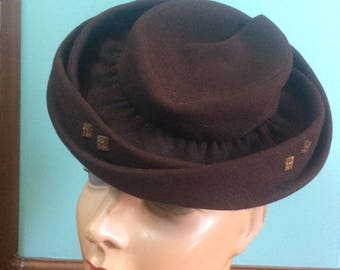 1940s Brown Felt Tilt Hat