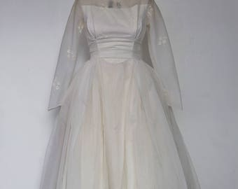 "A Vintage Dress - ""Laura"" 1950's Vintage Full Length Bridal Gown."