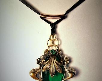 Nouveau Emerald Paste Pendant