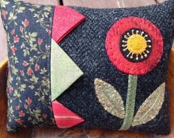 kit; sweet wool flower pincushion, great details!