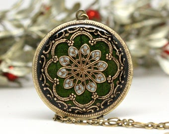Green/ Locket/ Gift/ For/ Her/ Mother's Day/ Women's/ Locket Necklace/ Gift/ For/ Girlfriend/ Handmade Gift/ Romantic/ Gifts/ Wedding/ Gift