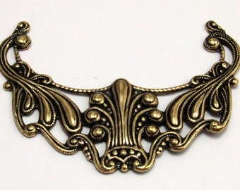 Art Nouveau Filgree Pendant Antique Gold Trinity Brass AG186
