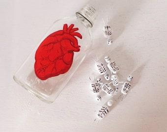 Anatomical Heart Bottle Vase Hanging Vase Corazon Vase Red Heart Decor Mexican Style Art Decor Dia De los Muertos Heart Decor Vintage Bottle