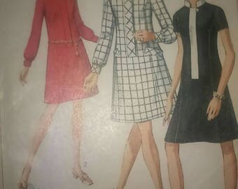Vintage 60s Sewing Pattern Simplicity 7899 A-line Shift Dress