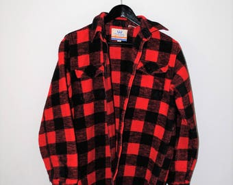 red buffalo check plaid button up classic 90s thick mens work jacket medium