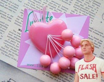 FLASH SALE - Luxulite classic brooch - Pink bakelite fakelite heart 1940s 50s style novelty cherry brooch
